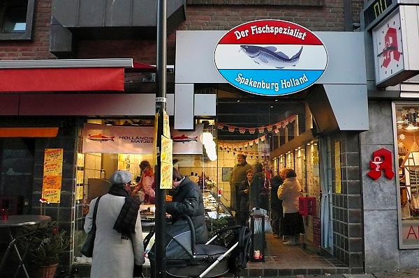 Duitsland, Kleef, 22-12-2007..Viswinkel in het centrum van Kleef, vlak over e grens bij Nijmegen, van een vishandel uit Spakenburg Nederland. ..Foto: Flip Franssen/Hollandse Hoogte