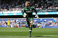 Goalkeeper Robert Green of Leeds United running for the ball. Skybet EFL championship match, Queens Park Rangers v Leeds United at Loftus Road Stadium in London on Sunday 7th August 2016.<br /> pic by John Patrick Fletcher, Andrew Orchard sports photography.