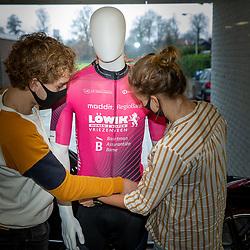 In 2021 gaan de renners van de AWV de Zwaluwen de weg op in de kleuren van Löwik Wonen en Slapen