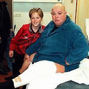 Sugar Lee Hooper in het AMC na een val op een podium met zoon