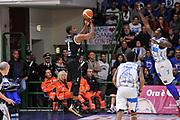 DESCRIZIONE : Campionato 2014/15 Dinamo Banco di Sardegna Sassari - Dolomiti Energia Aquila Trento Playoff Quarti di Finale Gara4<br /> GIOCATORE : Tony Mitchell<br /> CATEGORIA : Tiro Tre Punti Three Points Controcampo<br /> SQUADRA : Dolomiti Energia Aquila Trento<br /> EVENTO : LegaBasket Serie A Beko 2014/2015 Playoff Quarti di Finale Gara4<br /> GARA : Dinamo Banco di Sardegna Sassari - Dolomiti Energia Aquila Trento Gara4<br /> DATA : 24/05/2015<br /> SPORT : Pallacanestro <br /> AUTORE : Agenzia Ciamillo-Castoria/L.Canu