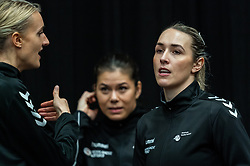 (L-R) Kelly Dulfer of Netherlands, Lois Abbingh of Netherlands during the Women's EHF Euro 2020 match between Netherlands and Hungry at Sydbank Arena on december 08, 2020 in Kolding, Denmark (Photo by RHF Agency/Ronald Hoogendoorn)