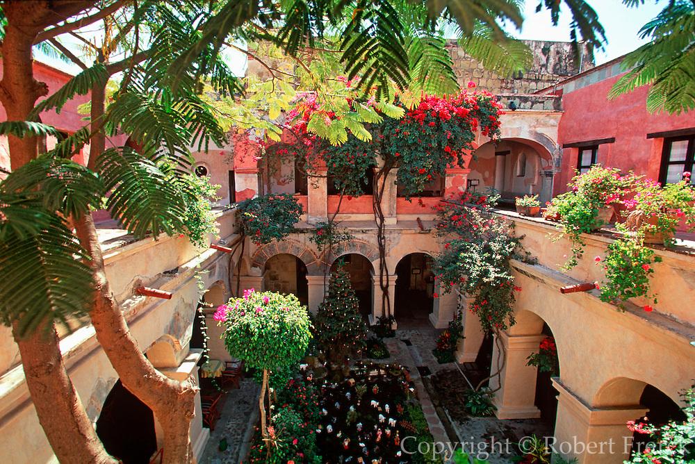 MEXICO, COLONIAL CITIES Oaxaca; El Convento/Camino Hotel the most famous hotel in the city, originally the 15thc Santa Catalina Convent