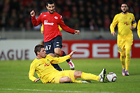 FOOTBALL - UEFA EUROPA LEAGUE 2010/2011 - GROUP STAGE - GROUP C - LILLE OSC v LEVSKI SOFIA - 21/10/2010 - PHOTO ERIC BRETAGNON / DPPI - PIERE ALAIN FRAU (LOSC) / VO IVANOV (SOFIA)