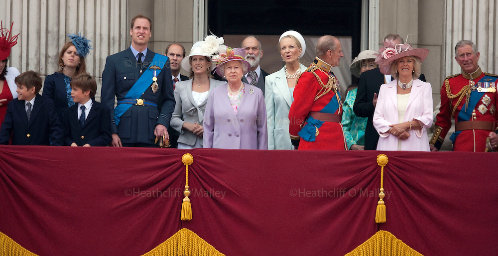 Mcc00233668 . Sunday Telegraph..The Quen and prince Philip and other members of the Royal Family on the balcony of Buckingham Palace during the Trooping the Colour ceremony, part of the Queens official birthday celebrations....London 12 June 2010..............Not GETTY.Not PA.Not AP.Not REUTERS .Not AFP.