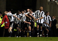 Photo: Jed Wee.<br />Newcastle United v Middlesbrough. The Barclays Premiership. 02/01/2006.<br />Newcastle celebrate with goalscorer Lee Clark.