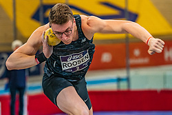Sven Roosen in action on the shot put during the all-around at the Dutch Athletics Championships on 13 February 2021 in Apeldoorn