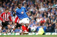 Fotball<br /> FA Barclays Premiership<br /> Portsmouth v Southampton<br /> 24. april 2005<br /> Foto: Digitalsport<br /> NORWAY ONLY<br /> Portsmouth's Yakubu scores the first goal from the spot