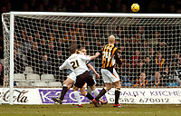 Photo: Leigh Quinnell.<br /> Luton Town v Hull City. Coca Cola Championship. 04/02/2006. Lutons Keith Keane watches the ball head under the bar for a goal.