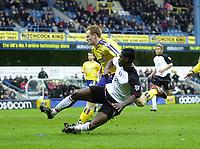 Photo. Glyn Thomas.<br /> Fulham v Southampton. FA Barclaycard Premiership. <br /> Loftus Road, London. 26/12/2003.<br /> Louis Saha (R) puts Fulham ahead with his first half goal.
