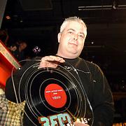 NLD/Amsterdam/20060312 - Uitreiking 3FM awards 2006, Beste Artiest Dance 2006 Tiesto opgehaald door manager Dimitri