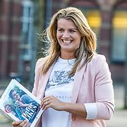 NLD/Amsterdam//20170509 - Boeklancering Dafne Schippers - Dafne Likes, Dafne Schippers met haar boek