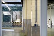 Nederland, Nijmegen, 16-8-2013Het ontruimde fabriekscomplex van de Honig fabriek.hier werden o.a. deegwaren, gedroogde soepen, maggi en brinta geproduceerd. De gemeente wilde het fabrieksterrein gebruiken voor woningbouw, nieuwbouw woningen. Door de crisi op de woningmarkt is dit plan uitgesteld en vinden er af en toe culturele activiteiten plaats. Het moedercencern Heinz heeft de productie verplaatst naar andere vestigingen binnen Nederland. Het betekende een verlies van 240 arbeidplaatsen voor de stad. Wel kwam er een nieuw onderzoekscentrum van de multinational.Foto: Flip Franssen/Hollandse Hoogte
