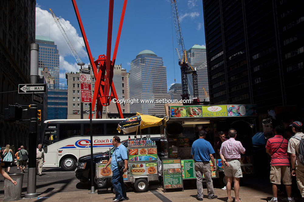 = recontruction works in the world trade center area oNew York - United States ///  le chantier du world trade center   New York  Etats Unis +