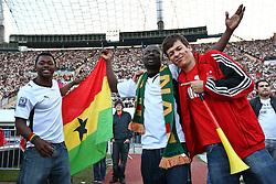 23.06.2010, Olympiapark, Muenchen, GER, FIFA Worldcup, Puplic Viewing Ghana vs Deutschland  im Bild Ghana Fans mit Deutschem Fan , EXPA Pictures © 2010, PhotoCredit: EXPA/ nph/  Straubmeier / SPORTIDA PHOTO AGENCY
