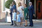 Doop Willem Jan ( 01-07-2013), zoon van Prins Floris en Prinses Aimee oppaleis het Loo<br /> <br /> Christening of Willem Jan ( 01-07-2013), son of Prince Floris and Princess Aimee on palace het Loo<br /> <br /> Op de foto / On the photo:  Prins Floris en Prinses Aimee, met dochters Magali en Eliane en hun zoon Willem Jan met Prinses Margriet en Mr. Pieter van Vollenhoven<br /> <br /> Prince Floris and Princess Aimee, with daughters Magali and Eliane and their son Willem Jan with Princess Margriet and Mr. Pieter van Vollenhoven