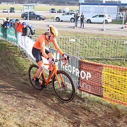 01-02-2020: Wielrennen: WK Veldrijden: Dubendorf <br />Fem van Empel