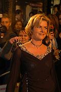 Irene Moors  aanwezig op de premiere van Bridget Jones , The Edge of Reason.<br /> <br /> Renée Zellweger, Hugh Grant en Colin Firth zijn weer bij elkaar voor de romantische komedie BRIDGET JONES: THE EDGE OF REASON. Het verwachte vervolg op BRIDGET JONES'S  DIARY.