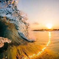 שבירת גלי חוף