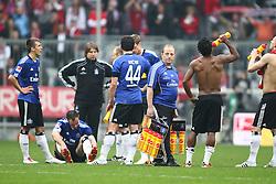12.03.2011, Allianz Arena, Muenchen, GER, 1.FBL, FC Bayern Muenchen vs Hamburger SV, im Bild Die Hamburger nach dem Spiel , EXPA Pictures © 2011, PhotoCredit: EXPA/ nph/  Straubmeier       ****** out of GER / SWE / CRO  / BEL ******
