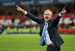Cheftræner Glen Riddersholm (SønderjyskE) jubler efter sejren i finalen i Sydbank Pokalen mellem AaB og SønderjyskE den 1. juli 2020 i Blue Water Arena, Esbjerg (Foto Claus Birch).