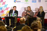 Panel discussie met Prinses Máxima, oprichter en directeur Ellen Gustafson (R) en CEO DSM Feike Sijbesma (2e L) op de conferentie 'Feeding the World'<br /> <br /> Panel discussion with Princess Máxima, Founder and Director Ellen Gustafson (R) and CEO DSM Feike Sijbesma (2nd L) at the conference 'Feeding the World'