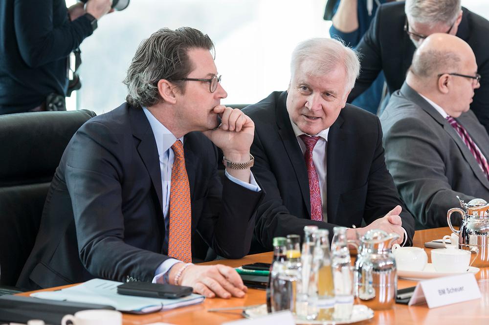 27 FEB 2019, BERLIN/GERMANY:<br /> Andreas Scheuer (L), CSU, Bundesverkehrsminister, und Horst Seehofer (R), CSU, Bundesinnenminister, im Gespraech, vor Beginn der Kabinettsitzung, Bundeskanzleramt<br /> IMAGE: 20190227-01-018<br /> KEYWORDS: Kabinett, Sitzung, Gespräch