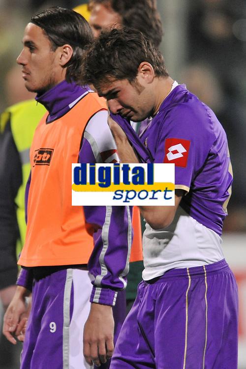 """Adrian Mutu (Fiorentina) cries at the end of the match<br /> Il pianto di Adrian Mutu (piange) alla fine della partita<br /> Firenze 1/5/2008 Stadio """"Artemio Franchi"""" <br /> Uefa Cup 2007/2008 Semifinals - Semifinale second Leg<br /> Fiorentina Rangers Glasgow (0-0) (2-4 a.p.)<br /> Foto Andrea Staccioli Insidefoto"""
