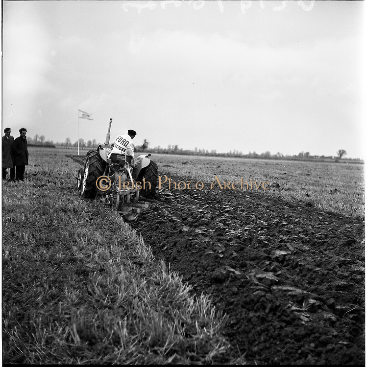 26/11/1964.11/26/1964.26 November 1964.Presentation of new Ford tractors at Lyons Estate Celbridge. The Ford Super Dexta 3000 showing its paces.