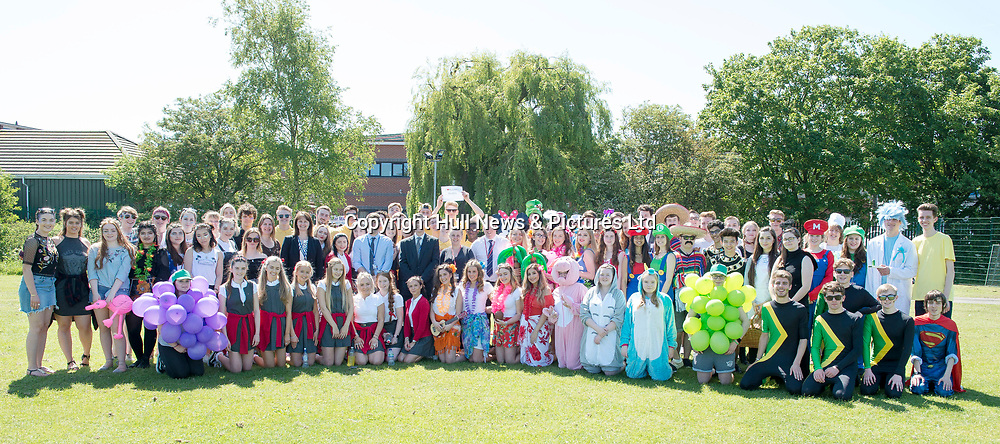 27 May 2017: Tollbar MAT Sixth Form College.<br /> Year 13 Leavers Day. Sixth Form students pictured with staff including Principal Stepehen Moon.<br /> <br /> Picture: Sean Spencer/Hull News & Pictures Ltd<br /> 01482 210267/07976 433960<br /> www.hullnews.co.uk         sean@hullnews.co.uk