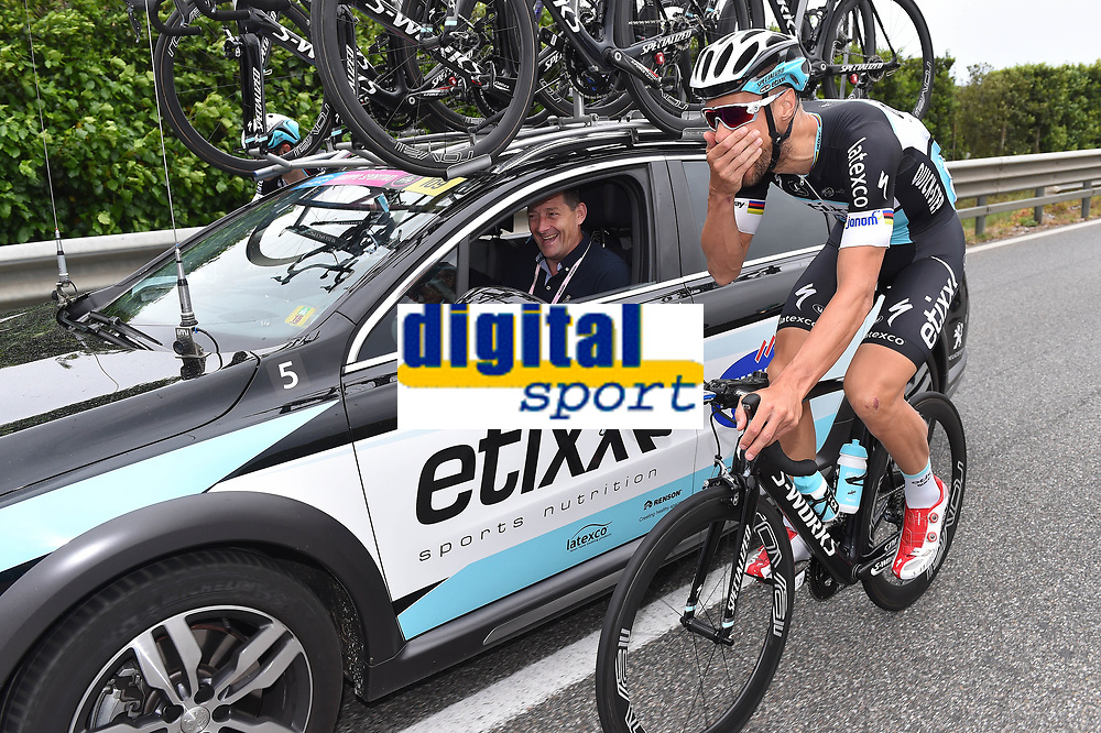 BOONEN  Tom ( Bel)/  SLYCKE Rik (BEL) Team Etixx Quick-Step Sportsdirector, during the Giro d'Italia 2015, Stage 7, Grosseto-Fiuggi (264 Km) on May 15, 2015. Photo Tim de Waele / DPPI