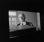 Gardien de prison, Gefängniswärter in Bellechasse, Sugiez. 2004. © Romano P. Riedo