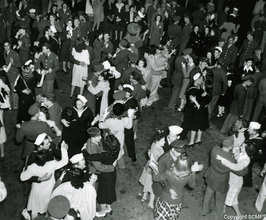 10/3/42 Servicemen and hostesses initiate the Hollywood Canteen's dance floor