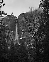 Wintertime in Yosemite Valley. Yosemite National Park. Image taken with a Nikon D3s camera and 50 mm f/1.4 lens (ISO 200, 50 mm, f/1.4, 1/60 sec).