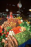 PERU, CHICLAYO Mercado de Brujos; produce