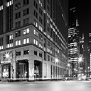 Chicago, U.S, Illinois: On a full city block bounded by, Franklin Street, Lake Street, and Post Place, this thirty-two story office building games the Chicago River and is adjacent  to Kohn Pedersen Fox's, 333 Walker Drive of 1983. Photographs by Alejandro Sala   Visit Shop Images to purchase and download a digital file and explore other Alejandro-Sala images…