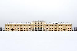THEMENBILD - Schönbrunn liegt im 13. Wiener Gemeindebezirk Hietzing. Das Schloss Schönbrunn ist das größte Schloss und eines der bedeutendsten und meistbesuchten Kulturgüter Österreichs. Wie auch der Schlosspark gehört es zum UNESCO-Weltkulturerbe., im Bild das Schloss Schönbrunn. Aufgenommen am 03. Februar 2017 // Schönbrunn is in the 13th municipal District of Vienna Hietzing. The Schönbrunn palace is the largest castle and one of the most important and most popular cultural properties of Austria. The palace as well as the castle grounds are part of the UNESCO World Cultural Heritage, This picture shows Schönbrunn palace , Vienna, Austria on 2017/02/03. EXPA Pictures © 2017, PhotoCredit: EXPA/ Sebastian Pucher