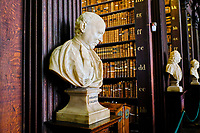 République d'Irlande, Dublin, Trinity College, Old Library (ancienne bibliothèque) // Republic of Ireland; Dublin, Library at Trinity College,  The Long Room, a beautiful, famous and historic old library in Ireland
