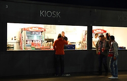 19.05.2010, Hypo Group Arena, Klagenfurt, AUT, Freundschaftsspiel, Österreich vs Kroatien im Bild Feature, Kiosk, Hospitality, Getraenke, Speisen, Fans, EXPA Pictures © 2010, PhotoCredit: EXPA/ J. Hinterleitner / SPORTIDA PHOTO AGENCY