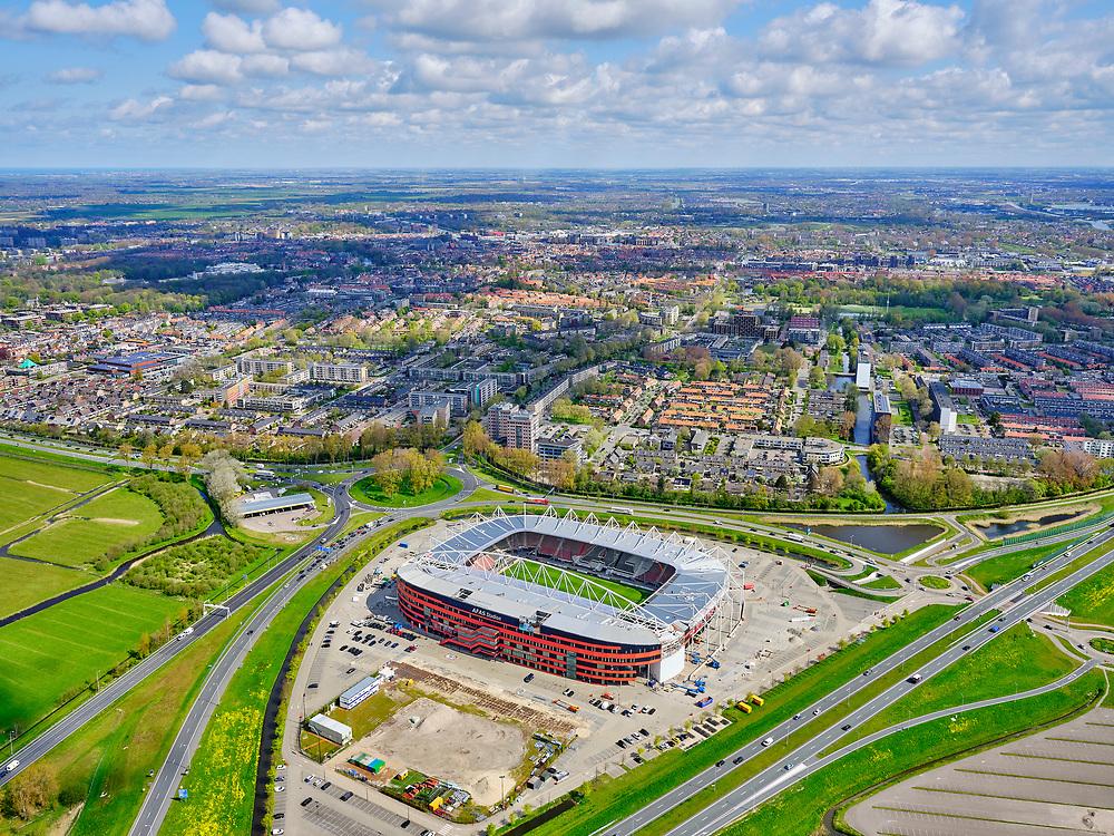 Nederland, Noord-Holland, Alkmaar, 07-05-2021; AFAS Stadion van AZ, met nieuw dakconstructie met karakteristieke boog.<br /> <br /> luchtfoto (toeslag op standard tarieven);<br /> aerial photo (additional fee required)<br /> copyright © 2021 foto/photo Siebe Swart