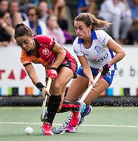 UTRECHT - HOCKEY -  Kiki van Wijk (Kampong)  (rechts) met Marlena Rybacha (Oranje-Rood)  tijdens  de hoofdklasse hockeywedstrijd dames Kampong-Oranje-Rood (0-5) .COPYRIGHT KOEN SUYK
