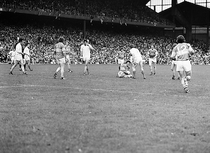Players stand around as lay stops as Armagh's tackle on Roscommon results in a foul during the All Ireland Senior Gaelic Football Semi Final Replay Roscommon v Armagh in Croke Park on the 28th August 1977. Armagh 0-15 Roscommon 0-14.