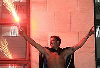 Italia, Campionato Serie A 2006-07<br /> <br /> 22 Aprile 2007<br /> <br /> Dejan Stankovic festeggia vittoria campionato in piazza Duomo a Milano<br /> <br /> Dejan Stankovic celebrates winning Italian Championship in Milano, Piazza Duomo<br /> <br /> Photographer: Paco Serinelli INSIDE