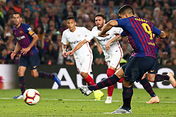 October 20, 2018 - Barcelona, Catalonia, Spain - Luis Suarez scores during the match between FC Barcelona and Sevilla CF, corresponding to the week 9 of the Liga Santander, played at the Camp Nou, on 20th October 2018, in Barcelona, Spain. (Credit Image: © Joan Valls/NurPhoto via ZUMA Press)