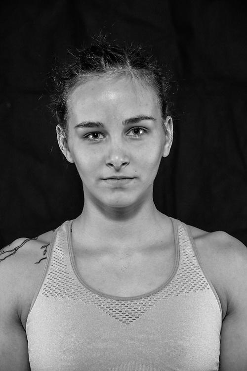 BOXEN / MMA: Studio, Portrait of a Boxer, Bremen, 12.05.2018<br /> Layla Hassan<br /> © Torsten Helmke