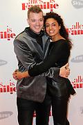 Premiere van de Romantische komedie Alles is familie in De La Mar, Amsterdam.<br /> <br /> Op de foto:  Gers Pardoel en partner