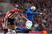 Fotball<br /> Premier League 2004/05<br /> Southampton v Birmingham<br /> 24. oktober 2004<br /> Foto: Digitalsport<br /> NORWAY ONLY<br /> Emile Heskey outjumps Claus Lundekvam