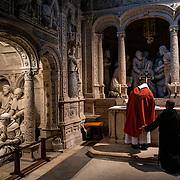 Celebration of a low mass in the abbey church. Solesmes on 17-10-19<br /> Célébration d'une messe basse dans l'église abbatiale . Solesmes le 17-10-19