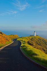 Além de belo e exuberante, Cape Reinga - no extremo norte da Nova Zelândia - também é repleto de mística. De acordo com a cultura Maori, primeiros habitantes das duas ilhas, é de lá que os espiritos guerreiros deixam a terra em direção ao paraíso. FOTO: Lucas Uebel/Preview.com