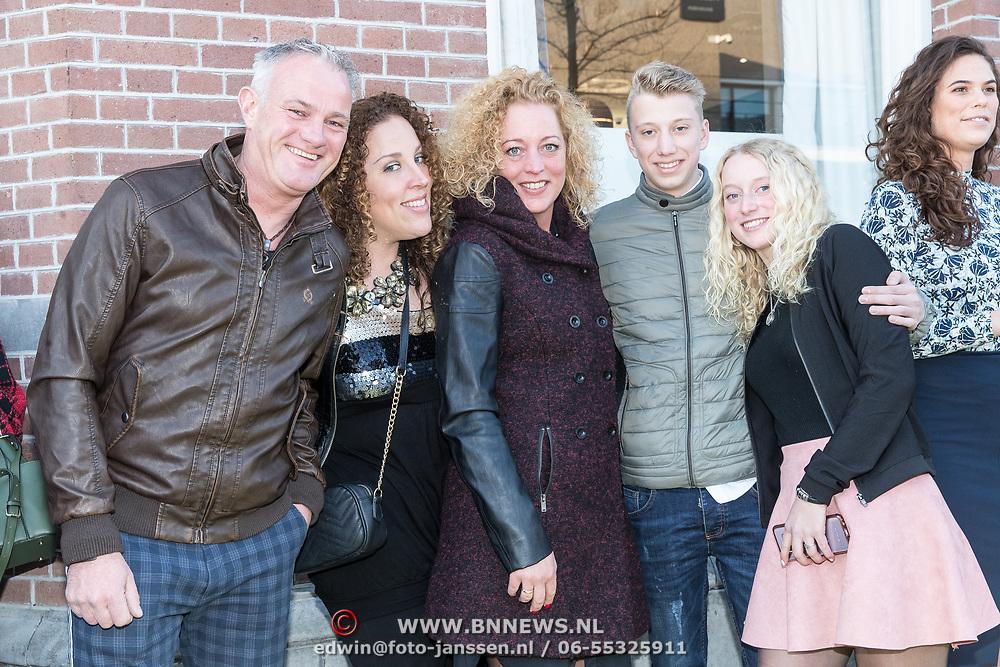 NLD/Amsterdam/20190401 -  Opening Burgerroom Gordon , Deborah Heuckeroth en familie